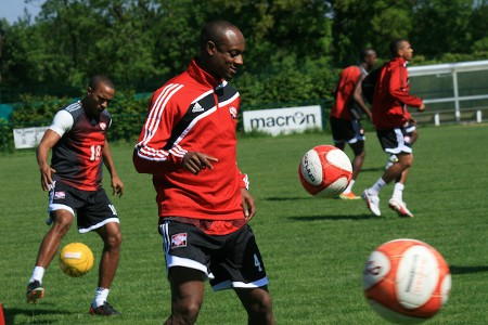 "Photo: Trinidad and Tobago defender Justin Hoyte trains with the ""Soca Warriors"" in 2013. (Courtesy Shaun Fuentes/TTFF Media)"