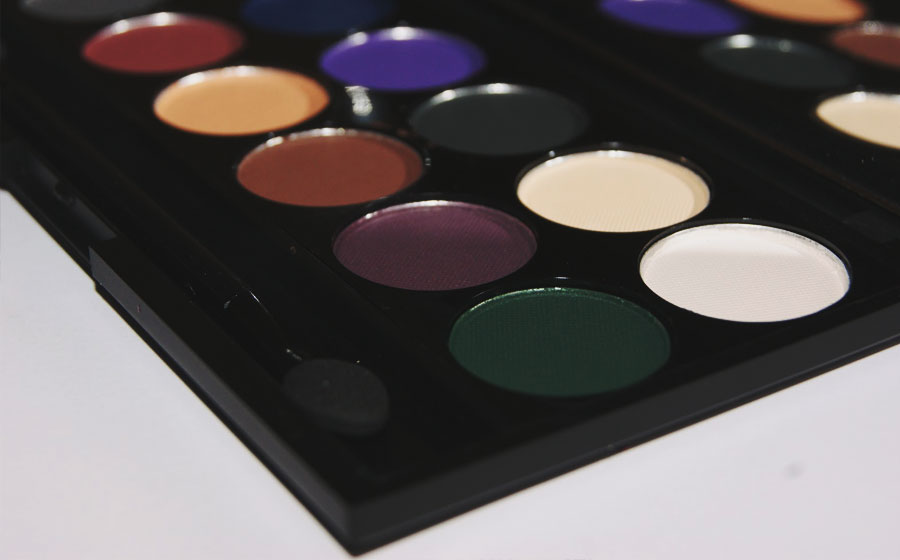 Sleek-MakeUp-Ultra-Matte-i-Divine-Palette-V2-Darks-Review-Swatch-003